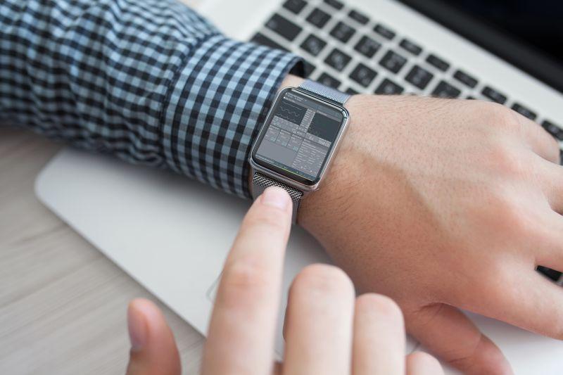Smartwatch auf der telemedizinische Inhalte per VPN übertragen werden